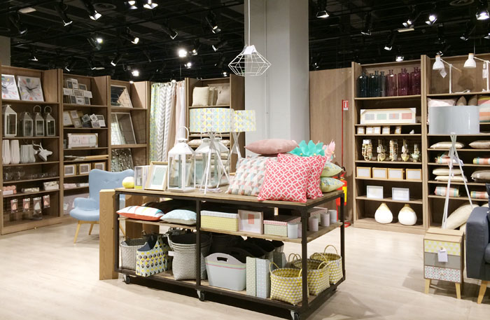 Shopping at maisons du monde for Maison du monde var