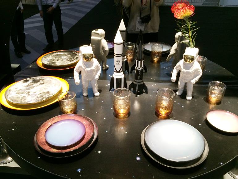 Seletti - Servizio di piatti con il sistema solare: lo voglio!