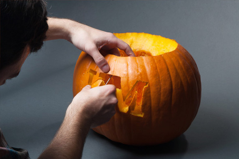 content_pumpkin-carving-set-kaufmann-mercantile