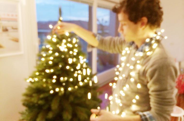 Albero Di Natale Quando Si Fa.15 Cose Da Fare Quando Si Fa L Albero Di Natale