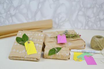 pacchetti con carta da pacchi-top