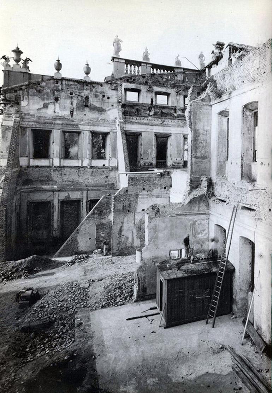 Palazzo_Sormani_Andreani_(Milan)_interni_dopo_la_seconda_guerra_mondiale_04