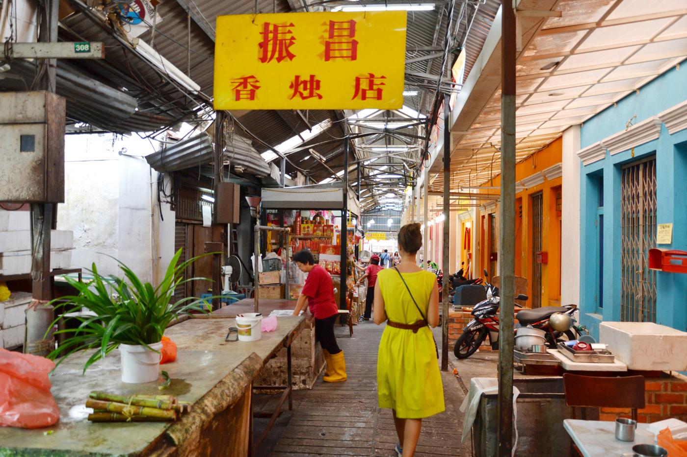 What-to-do-in-Kuala-Lumpur-chinatown-gucki-market-2