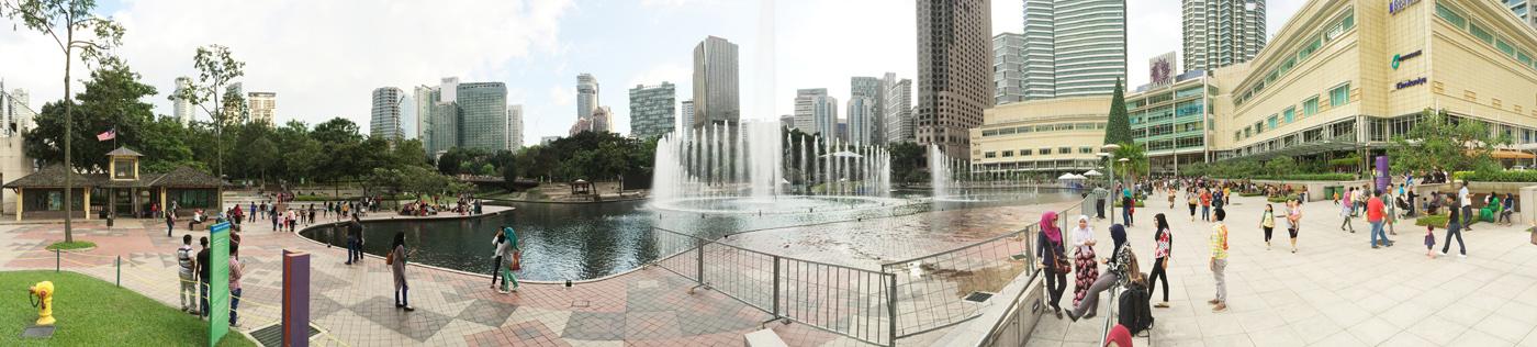 What-to-do-in-Kuala-Lumpur-gucki-Petronas-tower-square