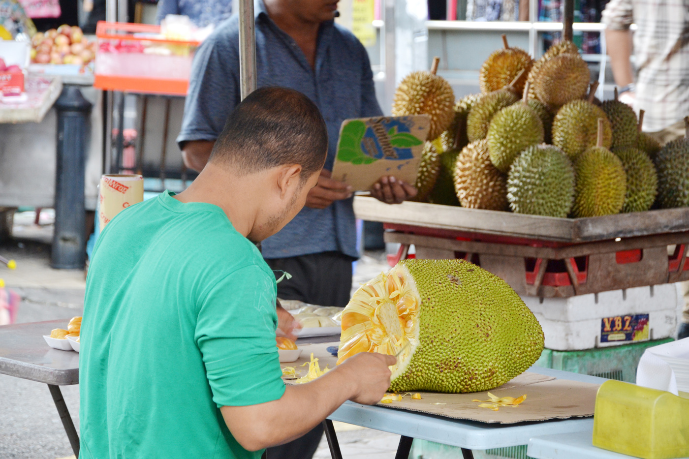 What-to-do-in-Kuala-Lumpur-gucki-market-fruits-jackfruit-2