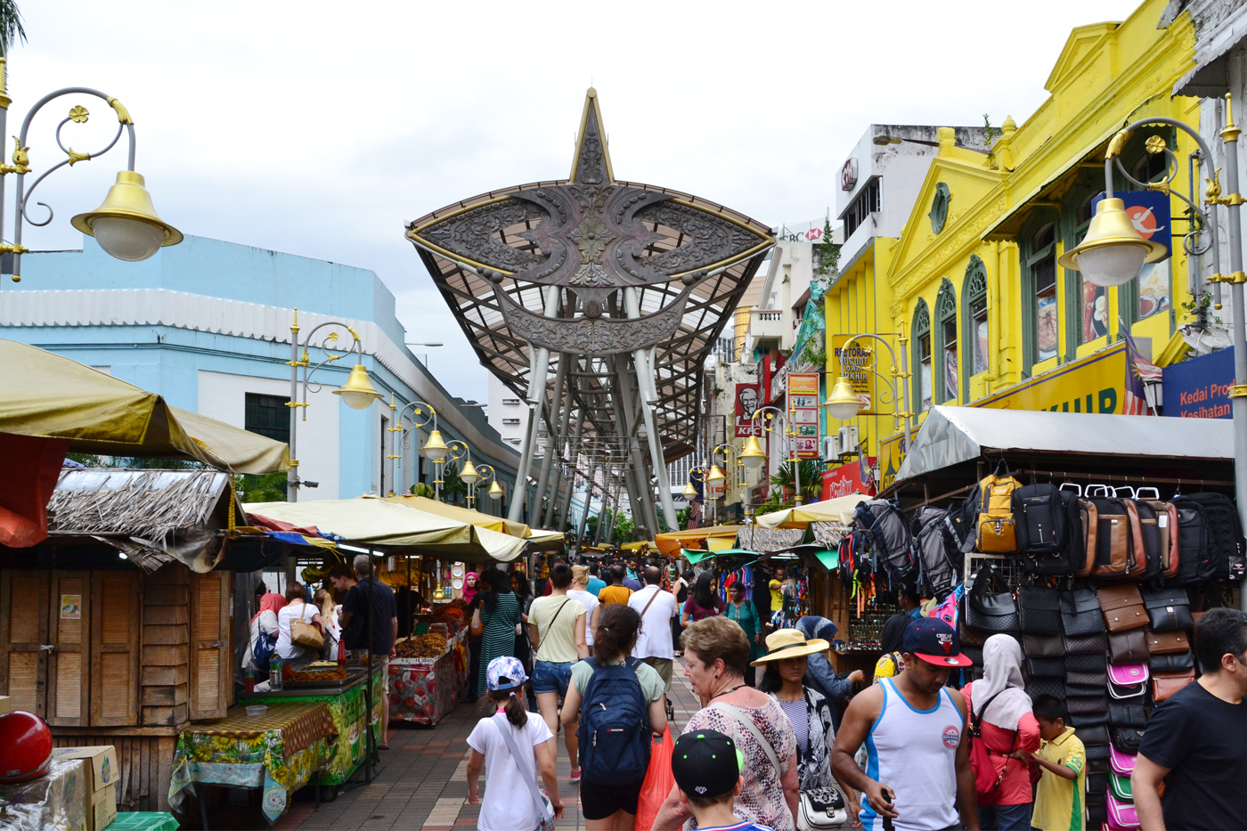 What-to-do-in-Kuala-Lumpur-gucki-market