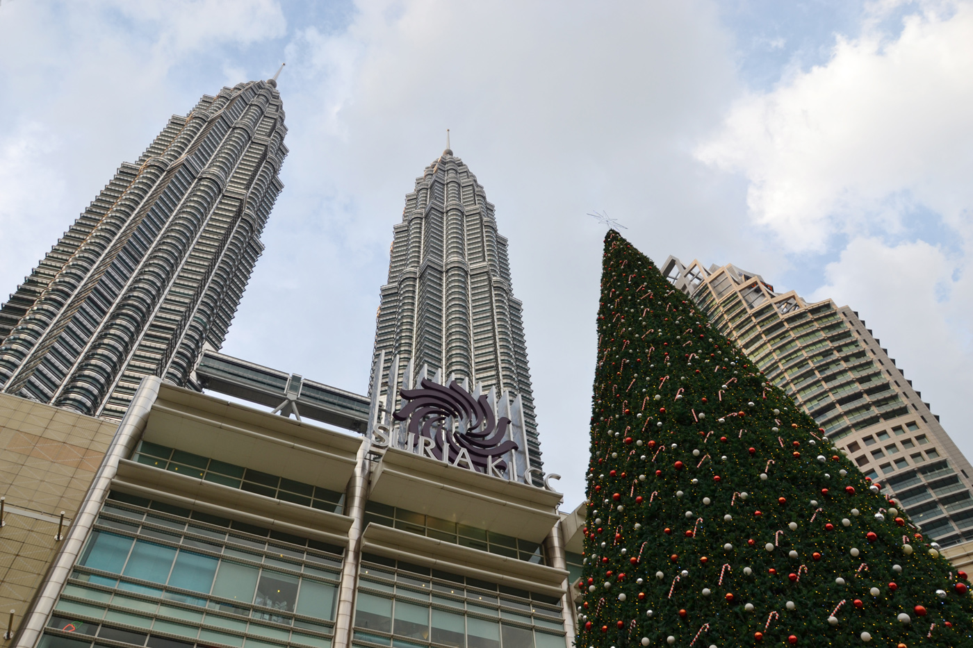 What-to-do-in-Kuala-Lumpur-petronas-tower-christmas tree
