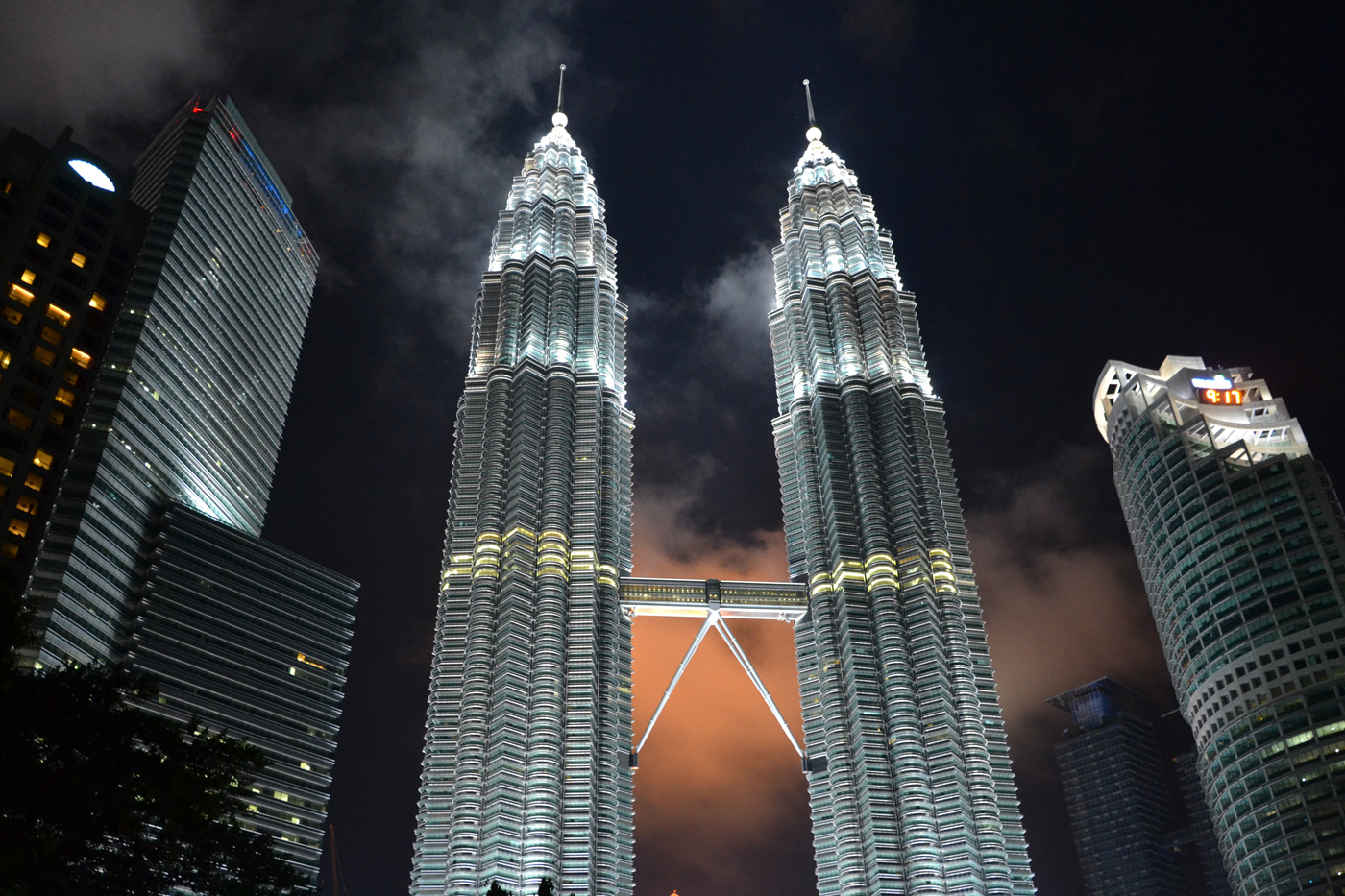 What-to-do-in-Kuala-Lumpur-petronas-tower-night