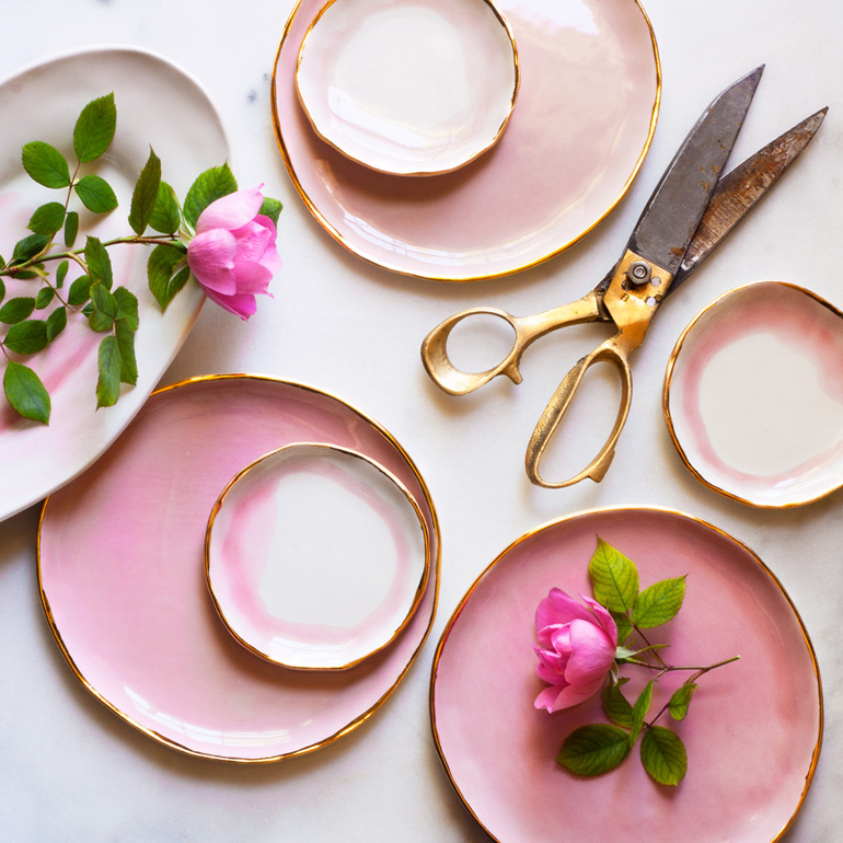 roses-from-the-garden-with-pink-plates
