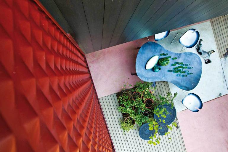 Moroso-Product-Shot-at-Patrizia-Moroso-House-Yellowtrace-07-1