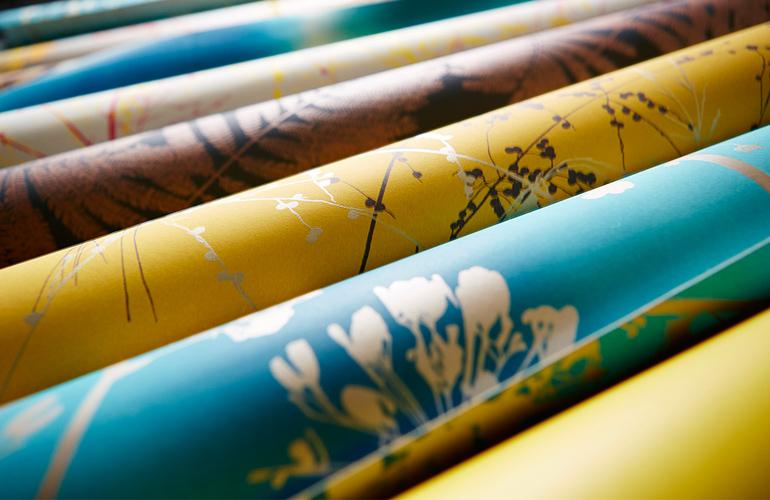 2-Harlequin-callista-kalamia-angeliki-wallpapers-mustard-azure-grey-botanical-silhouettes-rolls-detail