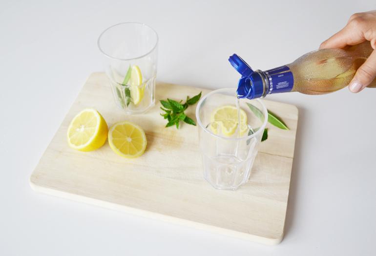 sciroppo-sambuco-acqua-aromatizzata
