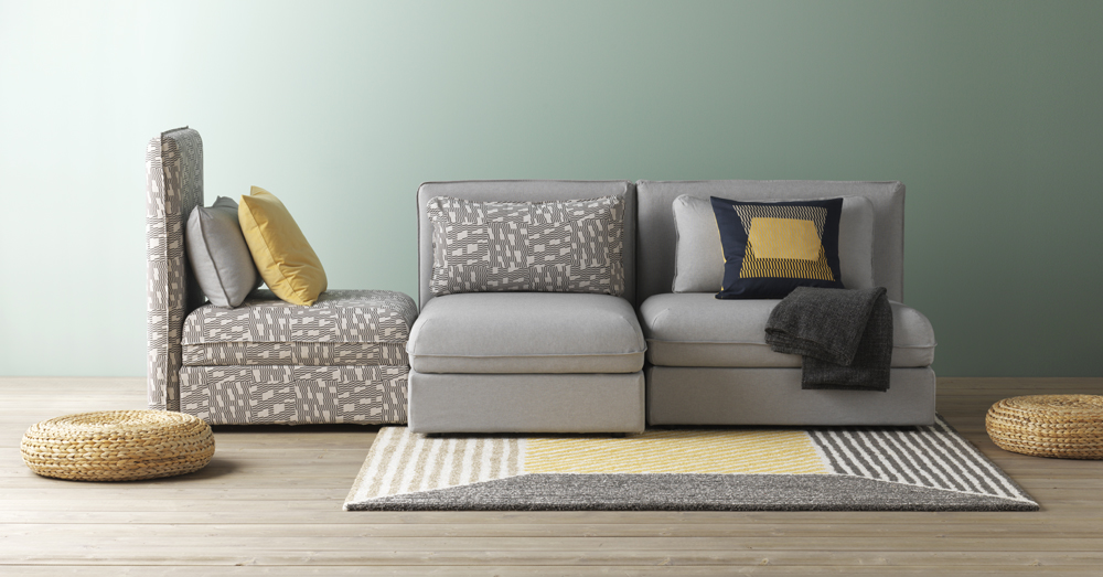 Vallentuna è un divano modulare con sedute letto e contenitori.