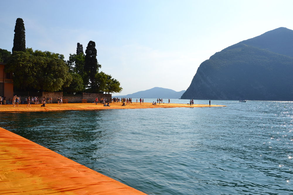 the-floating-piers-christo-13