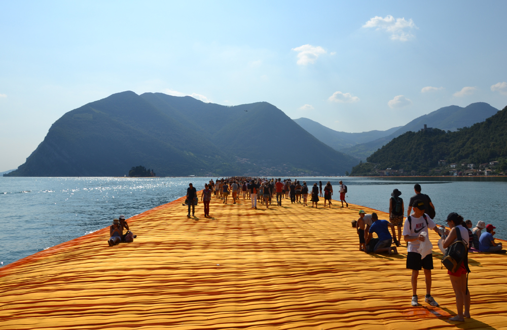 the-floating-piers-christo-18