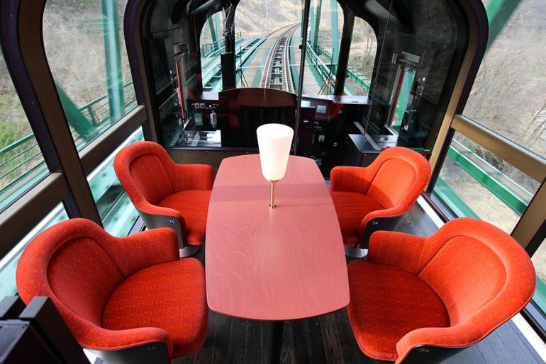 treno-panoramico-giappone-setsugekka-3-958x639