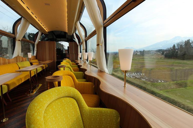treno-panoramico-giappone-setsugekka-6-958x639