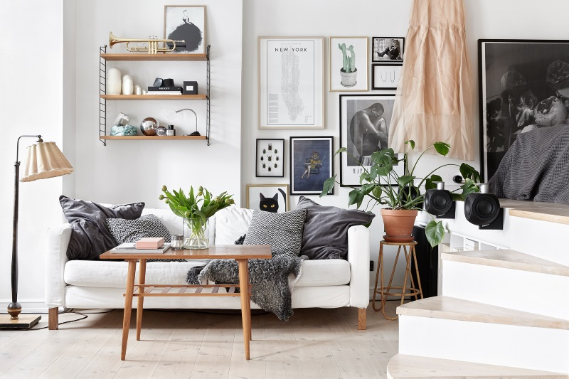 scandinavian-living-room-black-and-white