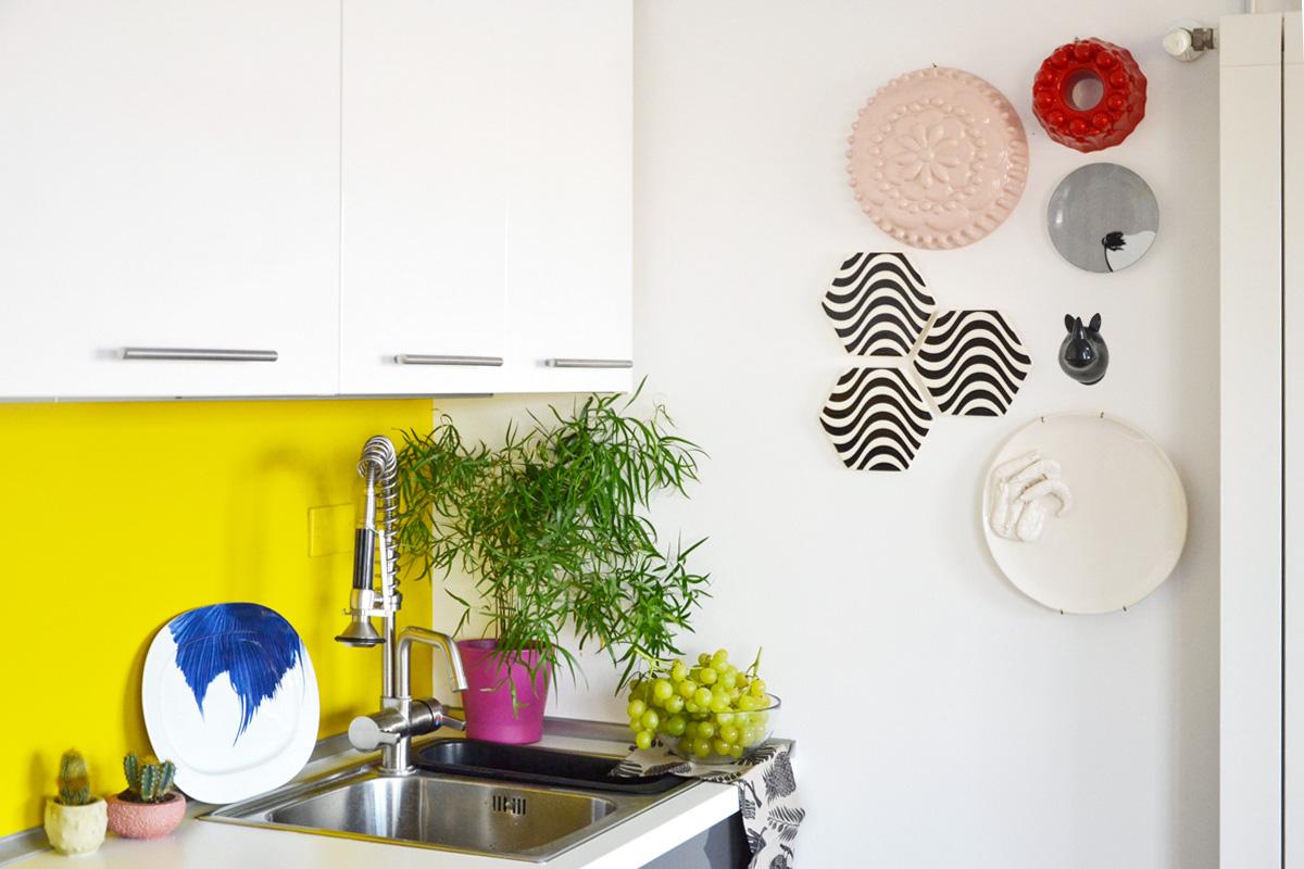 Come decorare una parete con piatti e ceramiche - Decorare una parete ...
