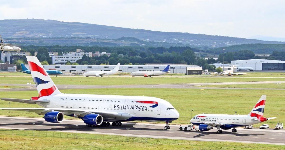 Il nostro aereo è quello a destra ;)