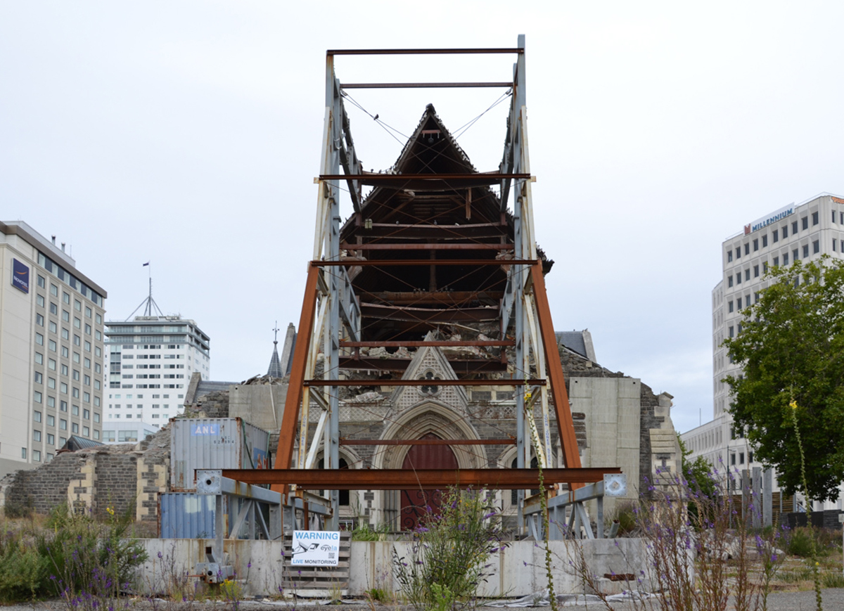 Christchurch the shigeru ban 39 s emergency architecture for Architects christchurch