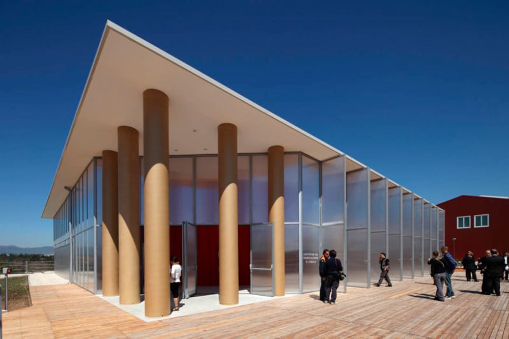 shigeru-ban-architects-fabio-mantovani-l-aquila-temporary-concert-hall