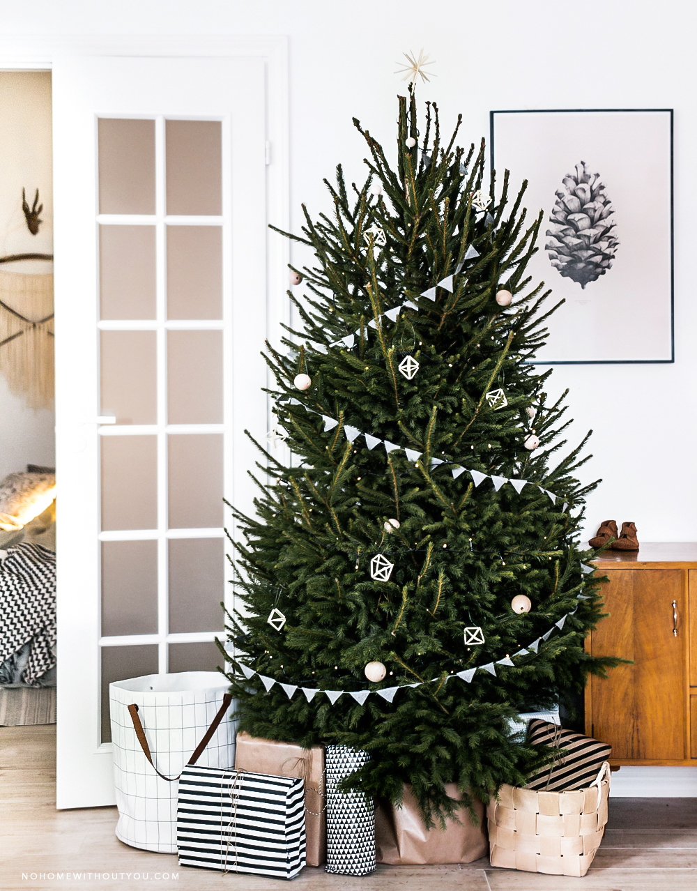 scandinavian-christmas-tree-decoration