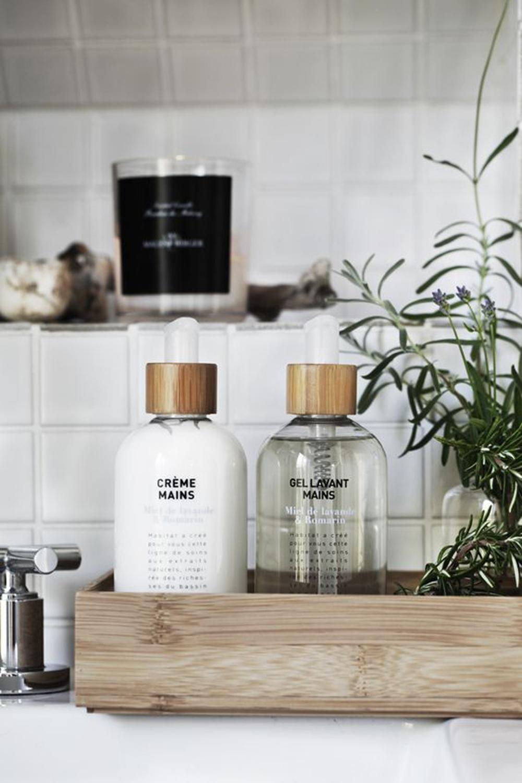 In bagno tutto a vista come esporre i prodotti beauty for Prodotti bagno