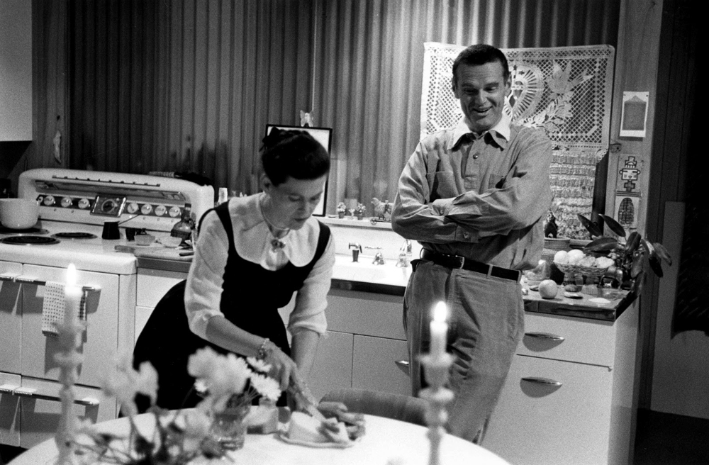 Charles_and_Ray_Eames-kitchen