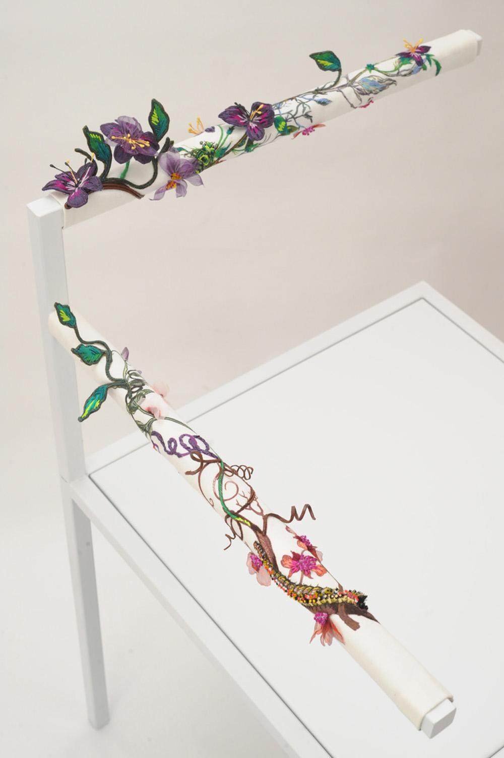 missing-chairs-ricami-fiori-design