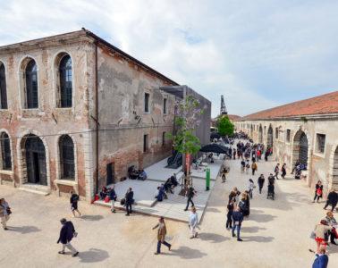 Biennale-venezia-arsenale-andrea-avezzu-2