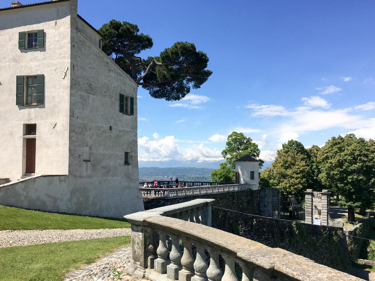 Castello-di-Masino-Ivrea-Fondo-Ambiente-Italiano-104