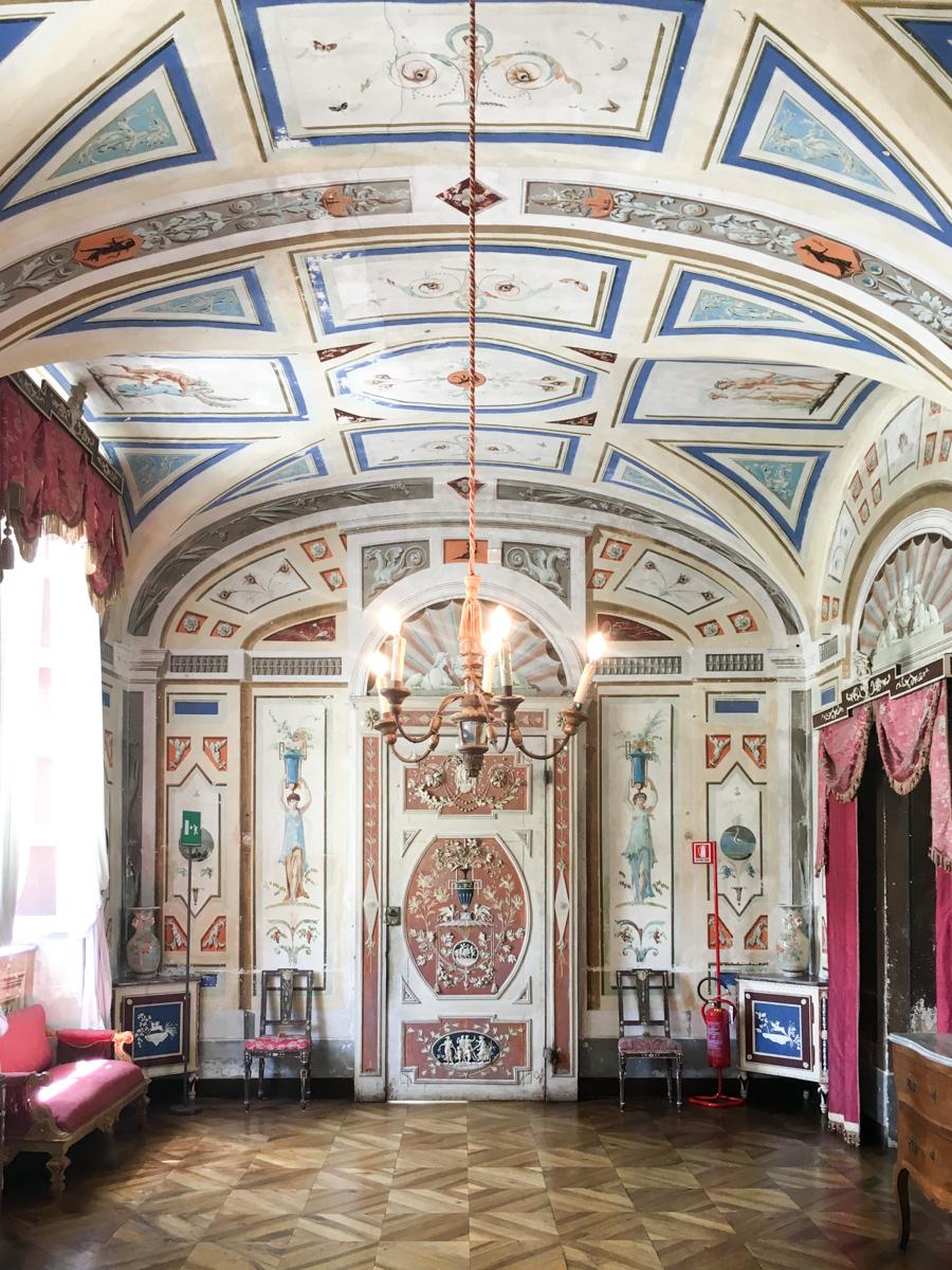 Castello-di-Masino-Ivrea-Fondo-Ambiente-Italiano-111