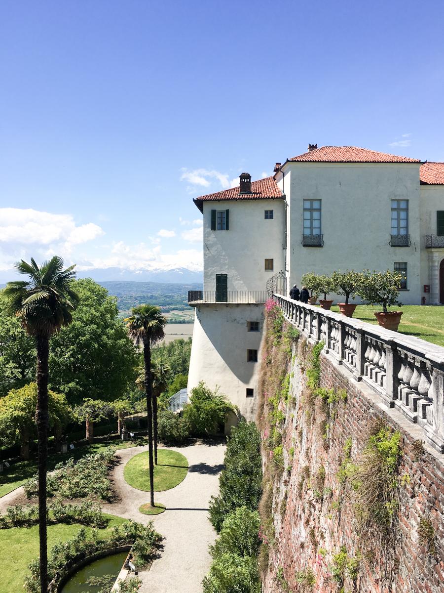 Castello-di-Masino-Ivrea-Fondo-Ambiente-Italiano-114