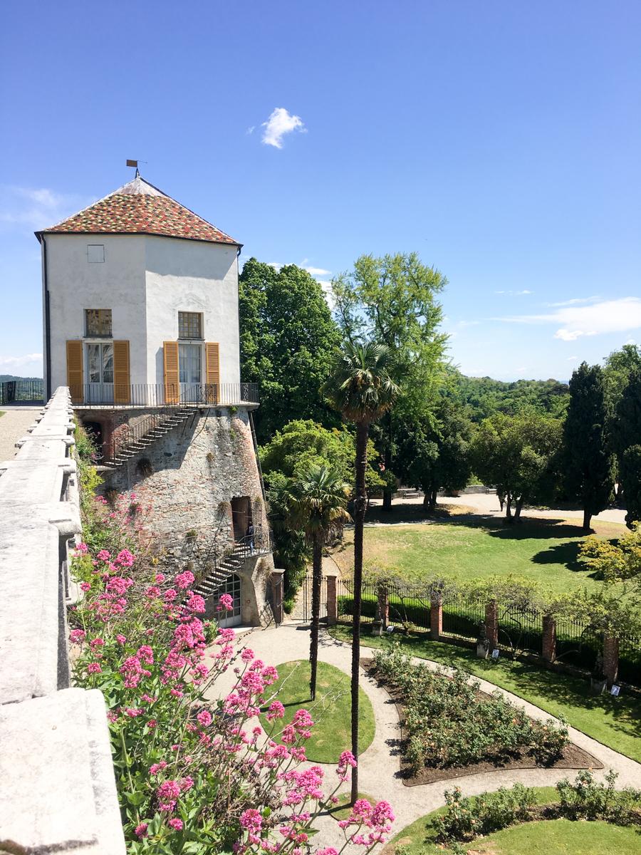 Castello-di-Masino-Ivrea-Fondo-Ambiente-Italiano-115