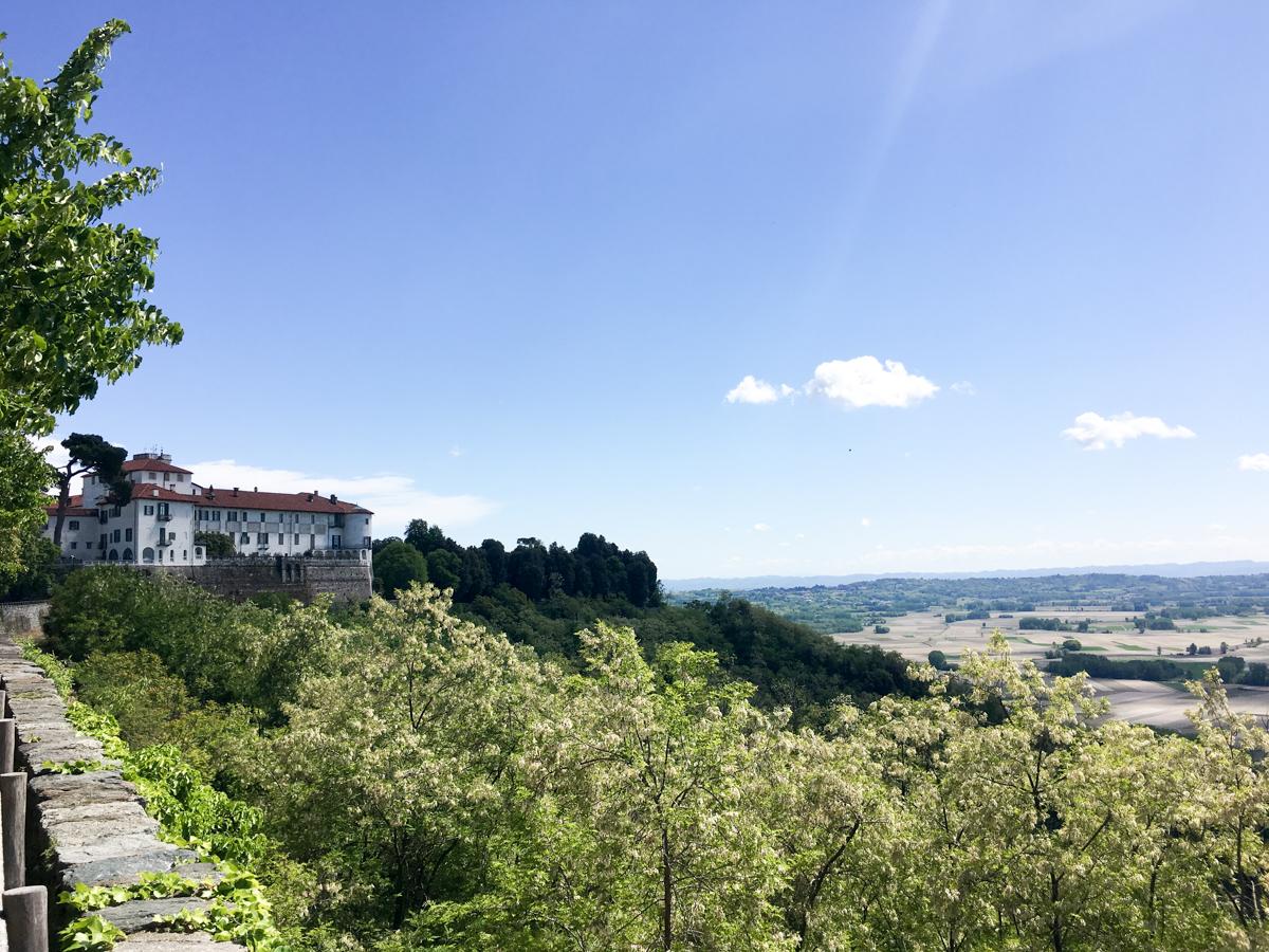Castello-di-Masino-Ivrea-Fondo-Ambiente-Italiano-120