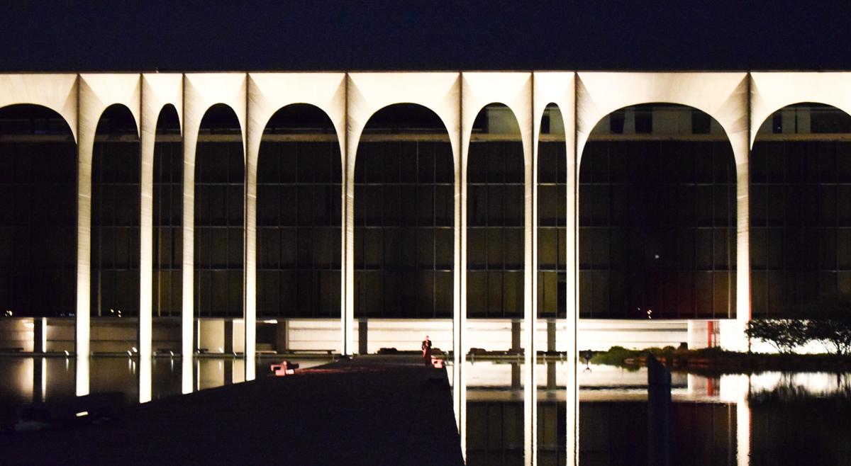 mondadori-viabizzuno-nuova-illuminazione-niemeyer-11