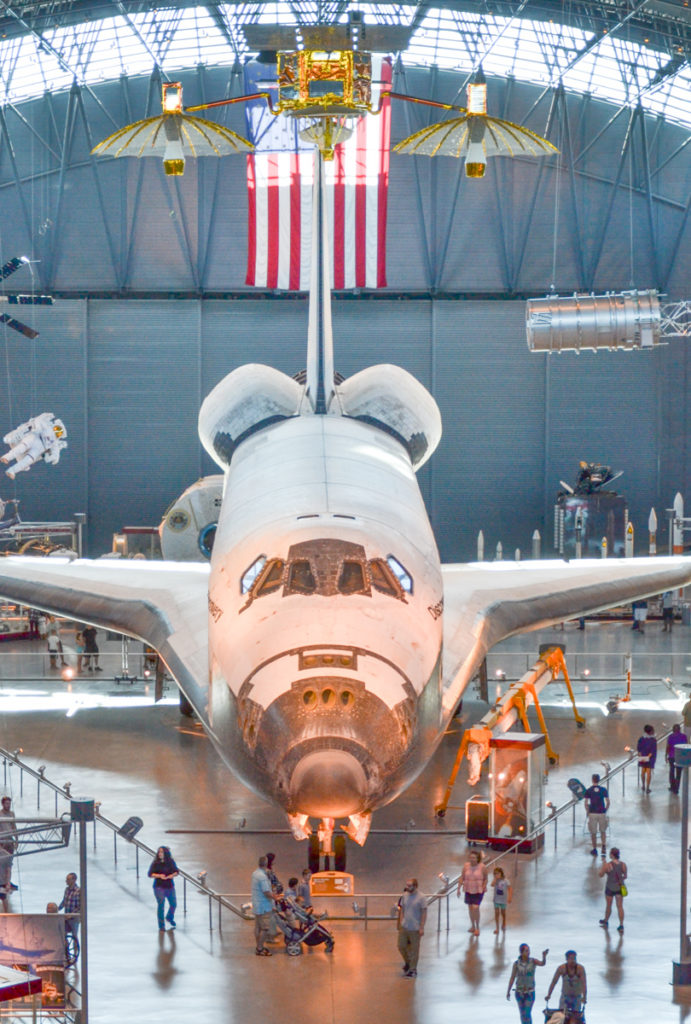 washington-smithsonian-national-air-and-space-museum-udvar-hazy-center-shuttle