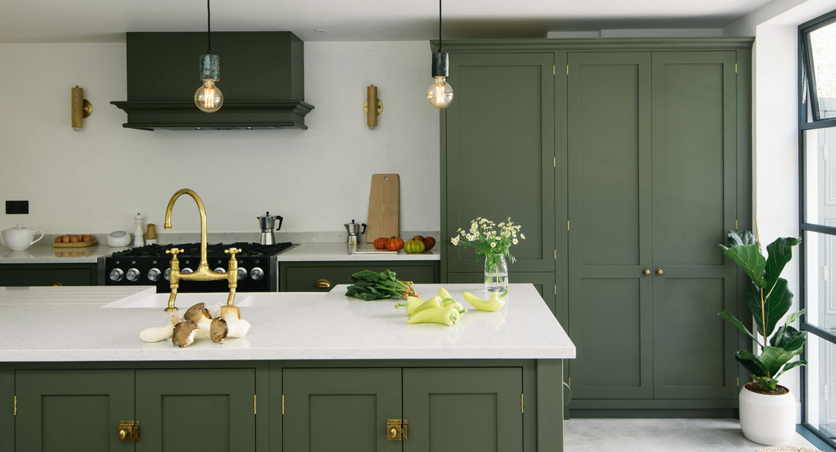 Albero Di Natale Kitchen.Green Is The New Kitchen Color Trend