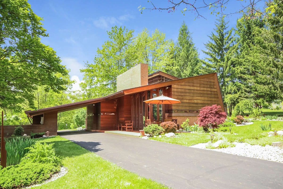 A frank lloyd wright home is on sale at 1 2m - Frank lloyd wright houses for sale ...