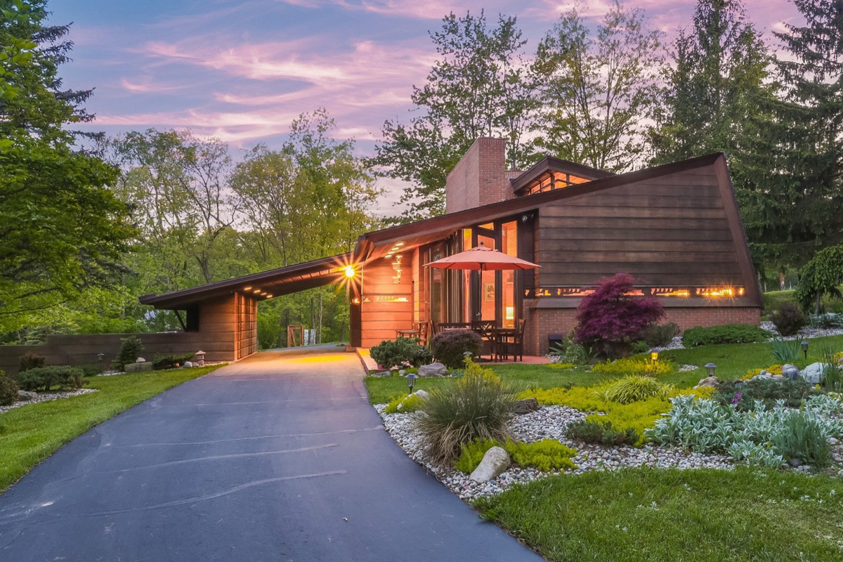 Una casa di frank lloyd wright in vendita per 1 2 milioni for Frank lloyd wright piani per la casa