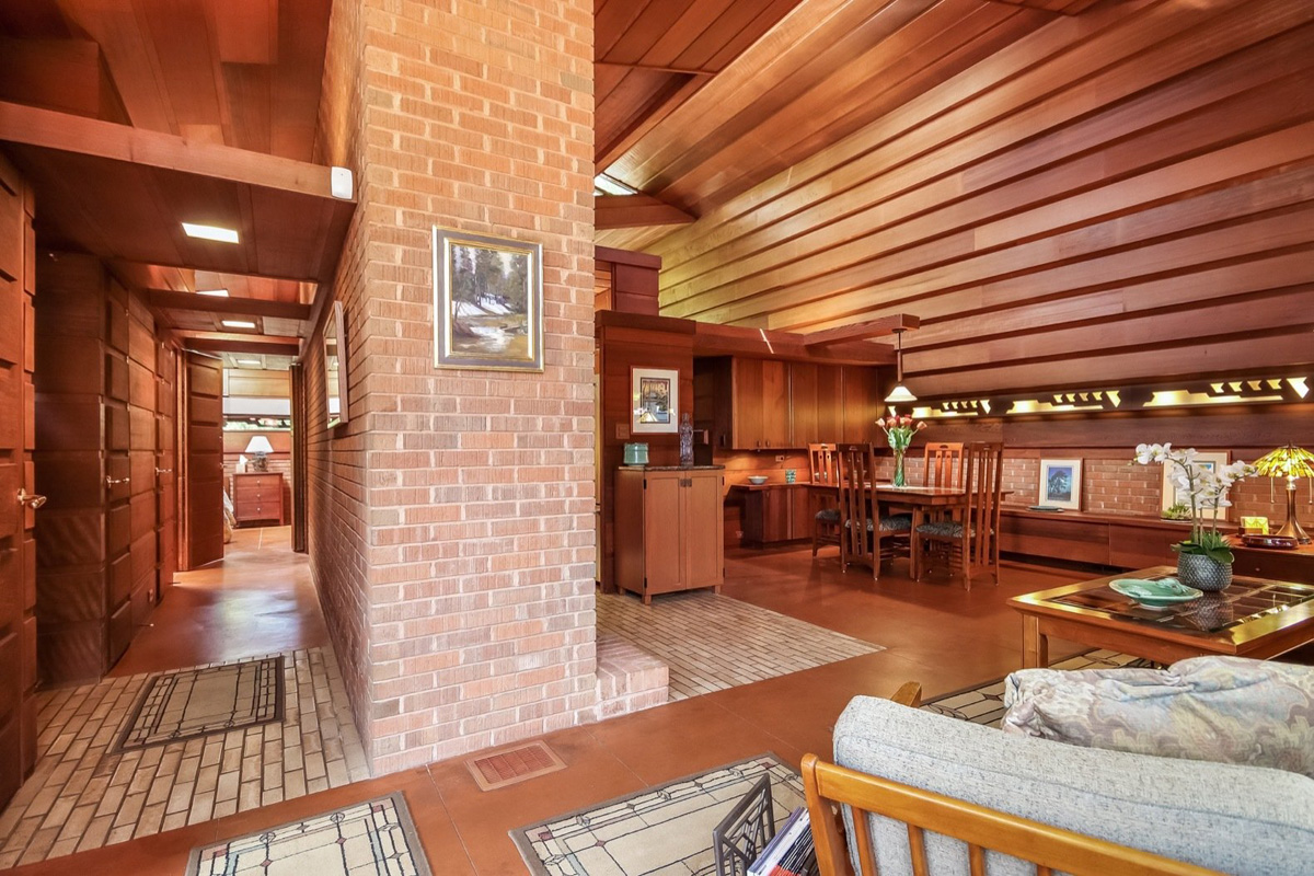 Una casa di frank lloyd wright in vendita per 1 2 milioni for Frank lloyd wright style piani per la casa