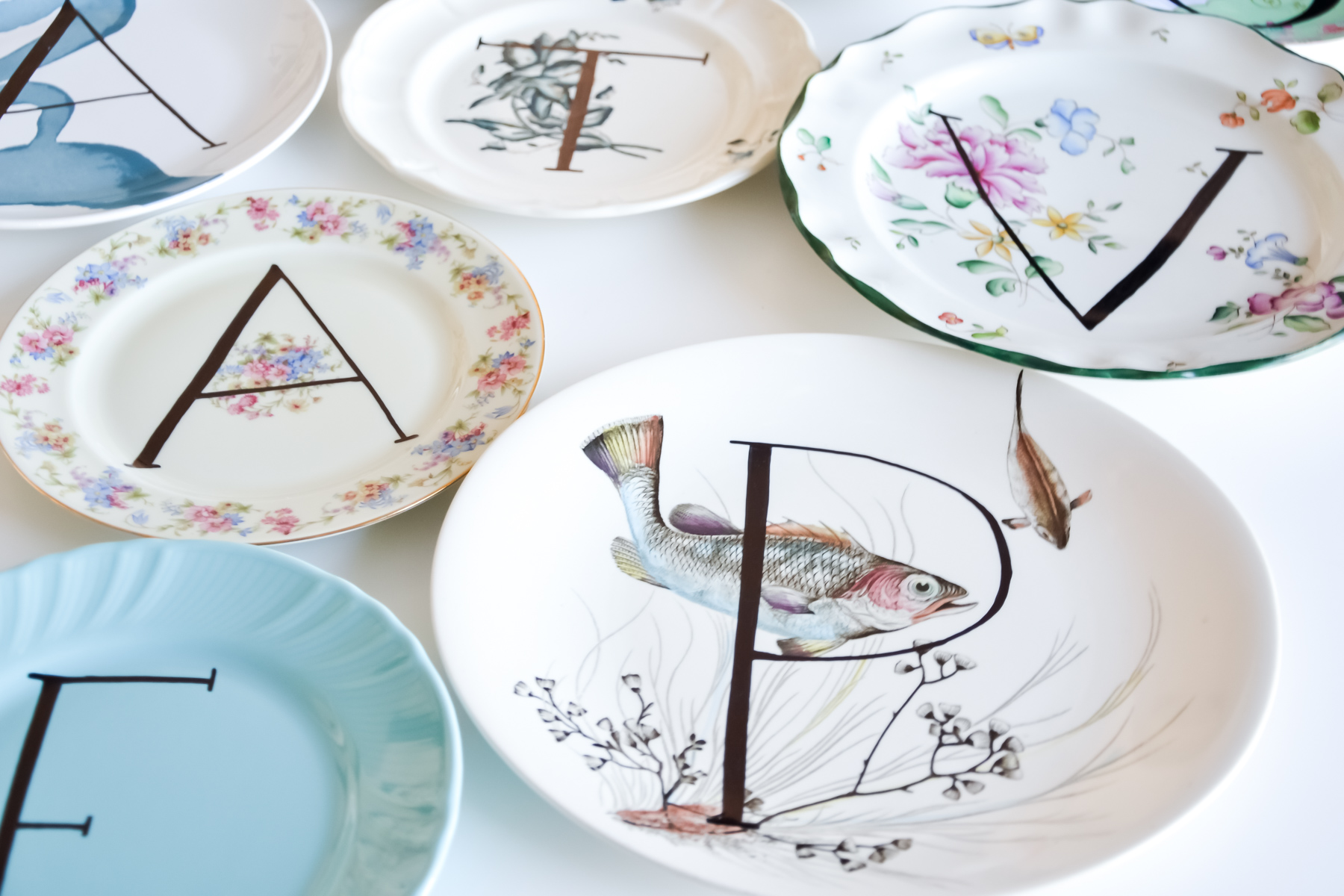 How To Decorate Diy Mismatched Plates